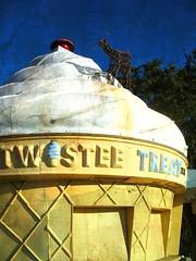 twistee treat (iimoorshiai) Tags: deer icecream raindeer twisteetreat