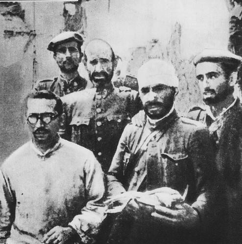 Grupo de resistentes nacionales en el Alcázar