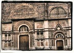BOLOGNA - S.PETRONIO (particolare) (Loris_l@_r@na) Tags: white black church chiesa bologna bianco nero sanpetronio anticando yourcountry lorisphoto