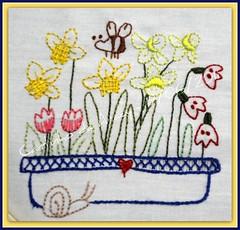 Agora que entrou, sinta o perfume das flores - 19/06/2011 (Cantinho da Aracy) Tags: bordado nófrancês pontocheio pontoatrás pontohaste