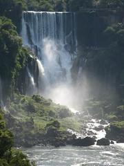 IMG_0792 (Raquel Camargo) Tags: parque water paran gua brasil natureza waterfalls viagem cataratas parana turismo iguazu iguau paraguai fronteira fozdoiguau iguassufalls fozdoiguacu cataratasdeliguaz gargantadodiabo