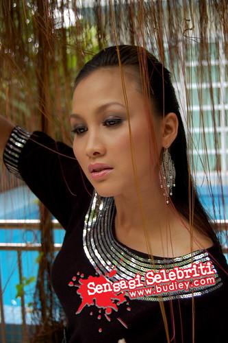 Tetek Wan Sharmila