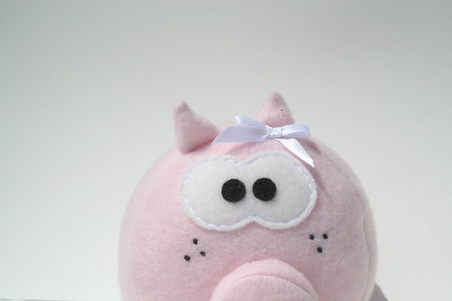 Priscilla Pigsley Peeking by plushoff.
