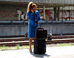 Air Hostess at Railway Station (bogers) Tags: street city blue urban holland netherlands dutch station blauw track foto ns nederland thenetherlands citylife railway denhaag haaglanden klm stewardess bahn railways thehague bogers stad spoorwegen straat zuidholland airhostess nederlandsespoorwegen sgravenhage haags hofstad straatfotografie basbogers airgirl 05052008 straatfotografiecom