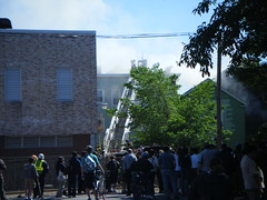 Crowd of Onlookers (L33tminion) Tags: cambridge boston fire disasters