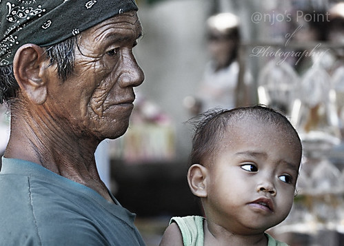 grandfather lolo infant toddler boy  Buhay Pinoy Philippines Filipino Pilipino  people pictures photos life Philippinen  菲律宾  菲律賓  필리핀(공화국)  childminding