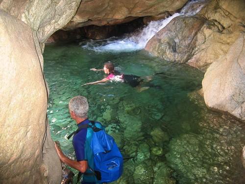 La vasque sous grotte