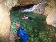 Balade aquatique du Fiumicelli inférieur : début de la partie finale dans la grotte
