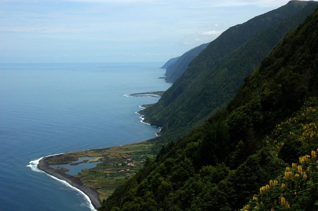 Costa norte da ilha de S. Jorge