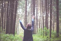 автопортрет 158й день (tomato_senya) Tags: trees selfportrait colour me nature bodylanguage 365ru