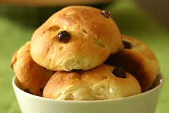 Dutch raisin rolls