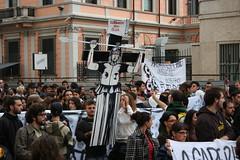 Guardami negli occhi (GhostSwann) Tags: rome roma politics scuola onda movimentostudentesco scioperogenerale decretogelmini l13308