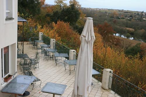 La fin du week end et l'hiver qui arrive nous priveront de la terrasse du Chateau.