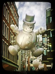Mr giant snowman (buckaroo kid) Tags: uk england london giant snowman inflatable w1 westend londonist carnabyst xmasdecorations explore417