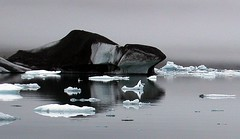Black ice on Jkulsarlon, Iceland (ystenes) Tags: lake ice iceland glacier ms 1001nights sland jkulsrln  jkulsarlon theperfectphotographer flickrestrellas thebestofday gnneniyisi worldtrekker flickrestrella spiritofphotography flickrlovers worldtreekker