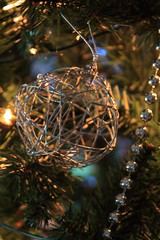 Wirey Christmas Bauble