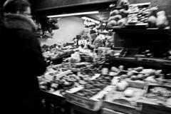 (Michele Greco (aka djmike_foh)) Tags: blackandwhite bw market bn bologna mercato biancoenero