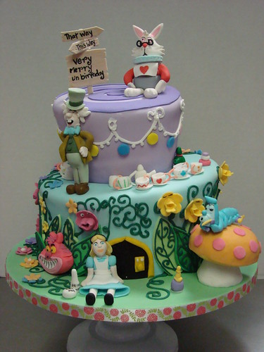 Alice In Wonderland Cakes | bigFATcook