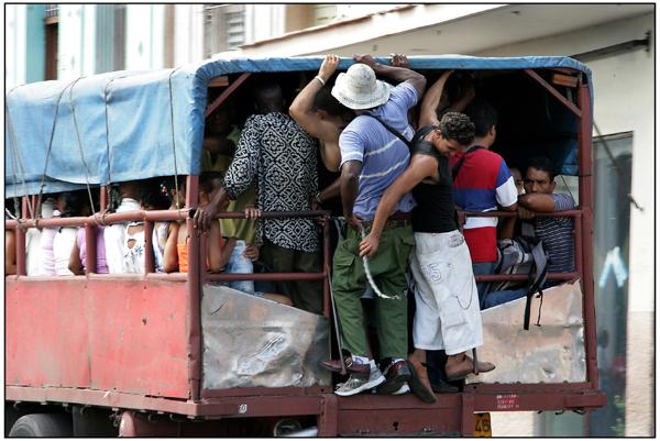 Cuba: fotos del acontecer diario - Página 6 3297707545_fa9c49e55b_o
