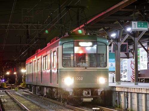江ノ電1002F稲村ヶ崎行き最終電車@長谷