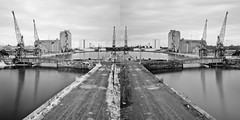 20110530_1757_07465--DSLR-A850_28 mm_BW (J e n s) Tags: uk bridge composite docks ir diptych pentax sony may cranes infrared visible tamron comparison swingbridge zoomlens 28300 sharpness 2011 1000x a850 nd110 da18250 istdsir jrpq