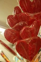 amor dulce (serie formas del amor) (Analía Acerbo Arte) Tags: color love rojo candy heart amor formas corazón dulce azucar paleta chupetin