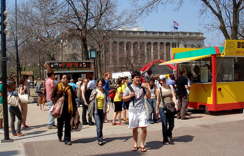 Food carts on Libarary Mall