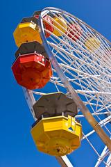 Santa Monica Pier Ferris Wheel (Caleb Keiter) Tags: park blue red white colors yellow fun santamonica pacificocean ferriswheel amusementpark santamonicapier pacificpark canonef2470mmf28lusm themepark highup wayupthere canoneos40d canon40d