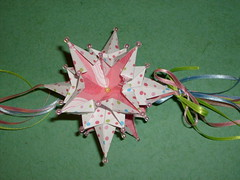 lirio estrelado (Isa  ) Tags: origami mobil mbile kusudama pendante