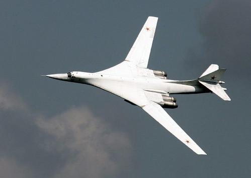 フリー画像| 航空機/飛行機| 軍用機| 爆撃機| Tu-160 ベールイ・レーベチ| Tupolev TU-160|      フリー素材|
