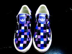 Pausa para o consumo! O que vc. quer?! (Carol' s) Tags: luz cores design moda formas adidas consumismo texturas rockers tecidos quadrados photografic