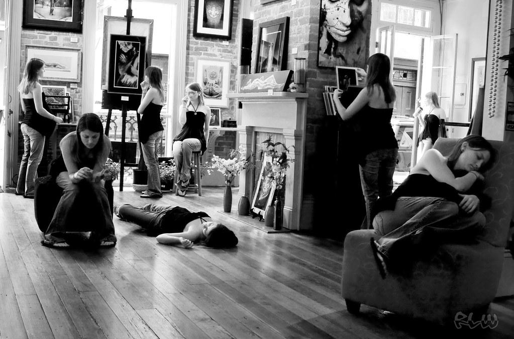 gallery girl(s)