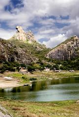 Pedra da Galinha Choca (Paulo M. A. Vasconcelos) Tags: galinha nikon pedra vr 24120mm quixadá monolitos choca d80 galinhachoca