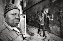 Simple People #22 (Rui Palha) Tags: street people urban blackandwhite bw blackwhite interestingness streetphoto decisivemoment interestingness5 streetmoments ruipalha