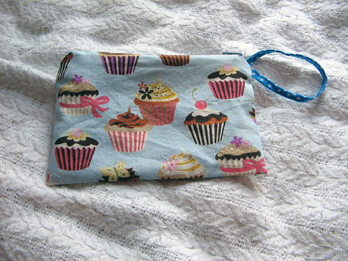Cupcake pouch with wrist strap