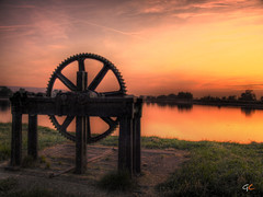 Bygones (gracust) Tags: sunset sun water grass wheel buckinghamshire reservoir tring bygones fineartphotos anawesomeshot multimegashot qualitypixels
