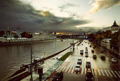 After the rain (Andrey Permitin) Tags: road light cars wet clouds reflections nikon moscow d200 kremlin   moscowriver     tamron1750  overtheexcellence  photoartbloggroup masterpiecesoflightdark