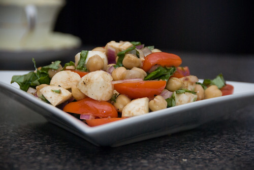 insalata caprese with chickpeas