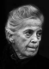 Portrait 3805 (Itzick) Tags: portrait bw woman face d200 bnw elderlywoman itzick