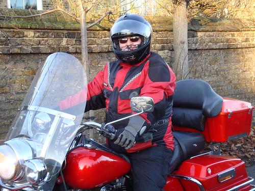 Père Noël arrive en moto-83