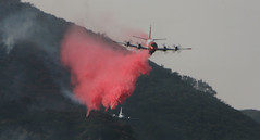 Flame Retardant Drop, Sierra Madre Fire (Andrew Meyers Photography) Tags: santa forest airplane fire los haze mt angeles smoke sunday brush sierra flats flame burn april wilson pasadena anita 27 2008 madre arcadia wildfire altadena dc10 chantry retardant