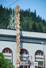 Sacramento Avenue (Curtis Gregory Perry) Tags: california light usa luz sign america licht us neon lumire united aviso schild states letrero luce muestra bord signe sinal enseigne  zeichen goldenstate   non kyltti segno nen wegweiser       teken indicacin  liikennemerkki uithangbord     criteau