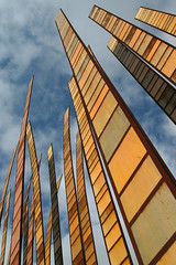 Up ! (anadelmann) Tags: seattle sky usa art up architecture canon washington wa experiencemusicproject g3 emp seattlecenter canonpowershot fleming canonpowershotg3 grassblades v1000 johnfleming rbfarchitecture platinumphoto infinestyle diamondclassphotographer flickrdiamond excellentphotographer theunforgettablepictures betterthangood theperfectphotographer tup2 platinumsuperstar anadelmann f5099 nxpl
