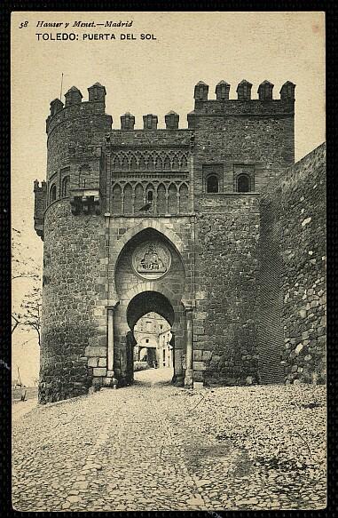 Puerta del Sol, Toledo, España. Foto Hauser y Menet