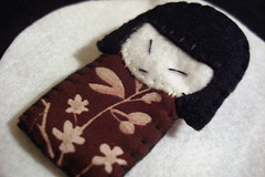 Another Kokeshi brooch (Kooka_) Tags: cute japanese diy handmade sewing pregadeira brooch craft felt homemade crafty kokeshi japonesa woolfelt kooka crafties kookalicious