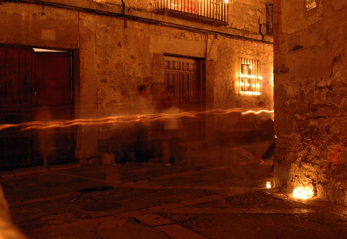 Velas en la Calle Real, esquina calle Procuradores