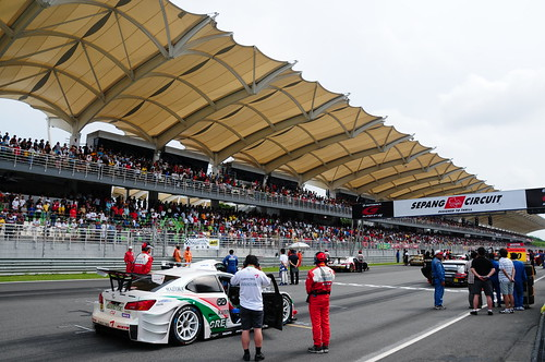On the race track (Nikon 18-200mm VR sample photos taken at the Super GT 2008 race, Sepang)