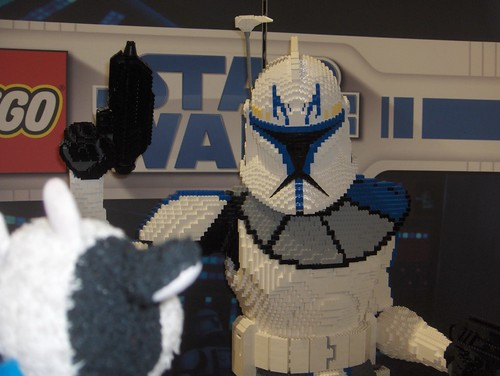 These stormtroopers ain't so tough. I just snap them apart.