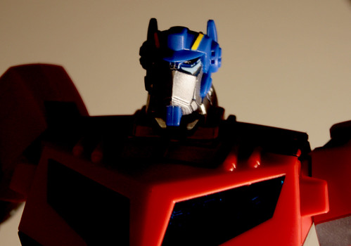 TF Animated Optimus Prime (Voyager class)