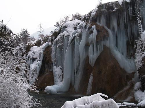 漫布的冰掛
